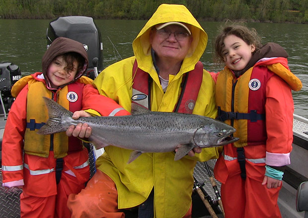 columbia river spring chinook salmon fishing with guide Lance Fisher