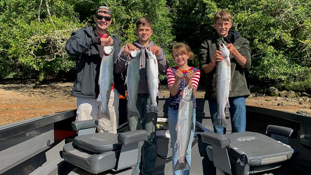Summer Steelhead fishing as a family on the Columbia River